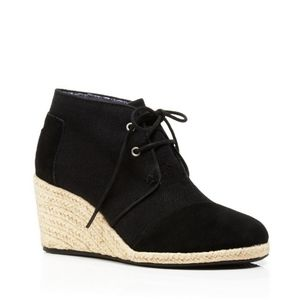 Toms ■ (9) Black Wedge Espadrille Shoes